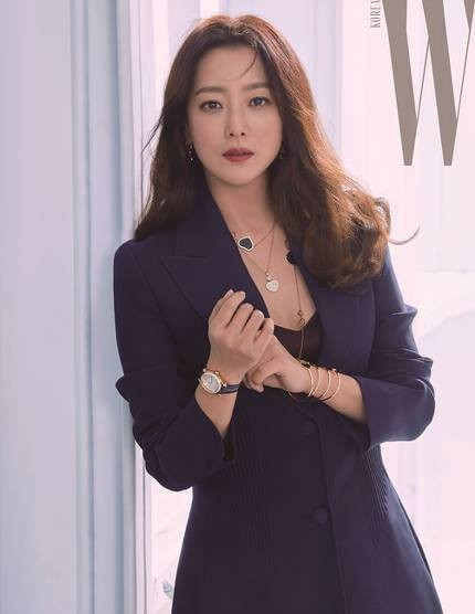 'Đệ nhất mỹ nhân xứ Hàn' Kim Hee Sun trẻ đẹp khó đoán tuổi ảnh 12
