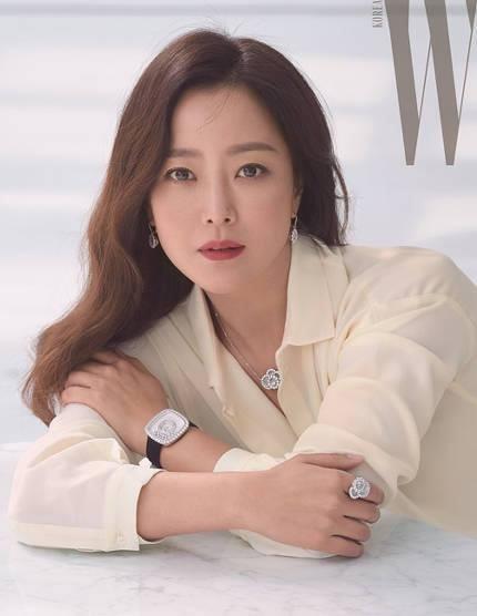 'Đệ nhất mỹ nhân xứ Hàn' Kim Hee Sun trẻ đẹp khó đoán tuổi ảnh 10