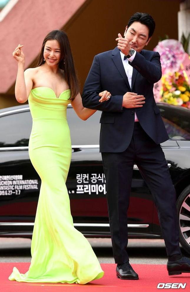 Kim Hye Soo ngực đầy đọ sắc nóng bỏng với Hoa hậu Hàn Quốc ảnh 13