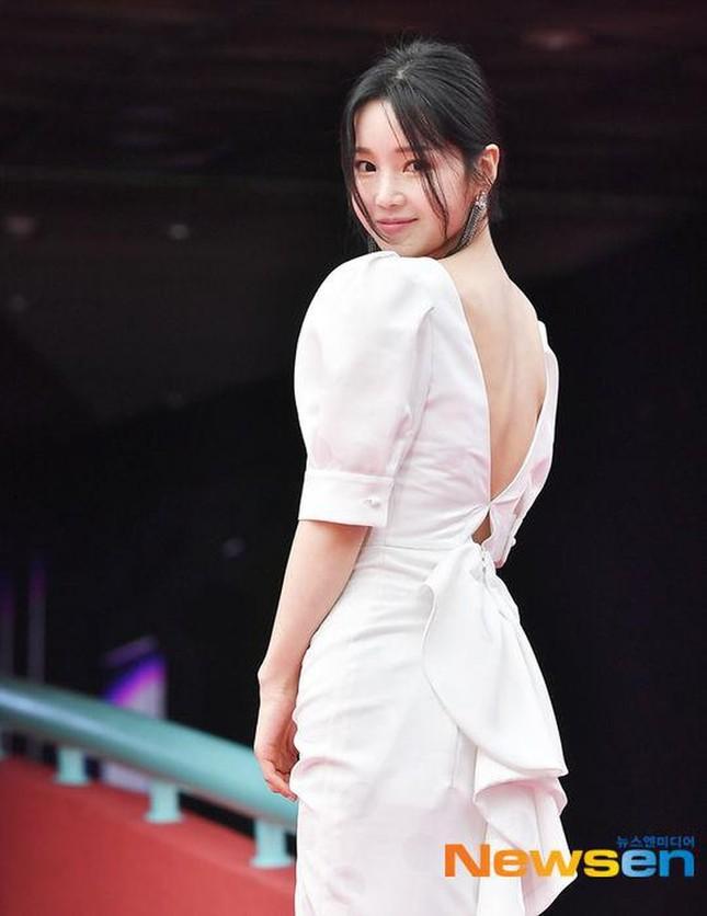 Kim Hye Soo ngực đầy đọ sắc nóng bỏng với Hoa hậu Hàn Quốc ảnh 20