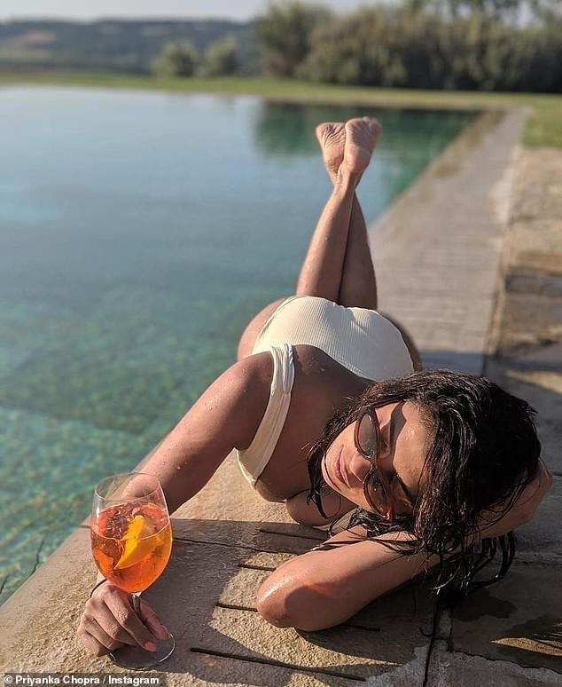 Hoa hậu Priyanka Chopra siêu quyến rũ dưới ống kính của chồng ảnh 3