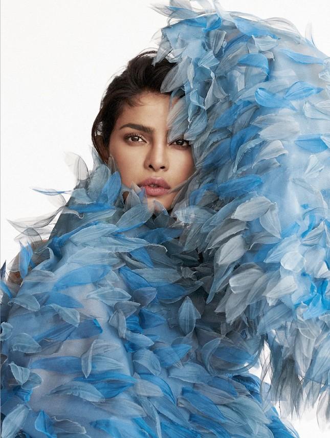 Hoa hậu Priyanka Chopra siêu quyến rũ dưới ống kính của chồng ảnh 7