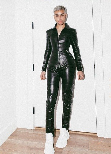 Dân mạng bất ngờ với thợ trang điểm nóng bỏng của em gái Kim Kardashian ảnh 12
