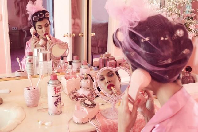 Mê mẩn dáng vóc nóng bỏng của chị cả 40 tuổi nhà Kim Kardashian ảnh 18