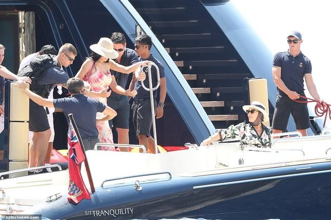 Kylie Jenner xinh đẹp gợi cảm chuẩn bị tổ chức sinh nhật triệu đô ở Ý ảnh 7