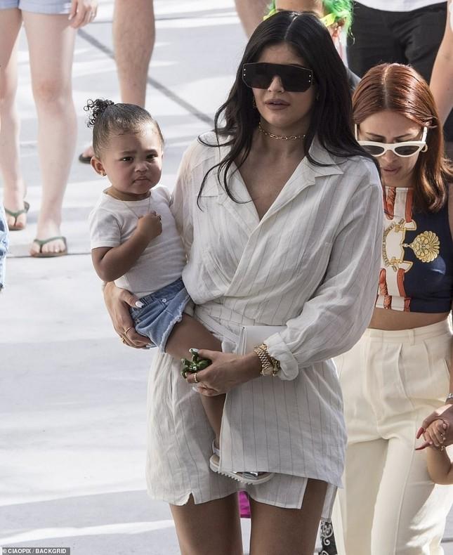 Kylie Jenner xinh đẹp gợi cảm chuẩn bị tổ chức sinh nhật triệu đô ở Ý ảnh 9