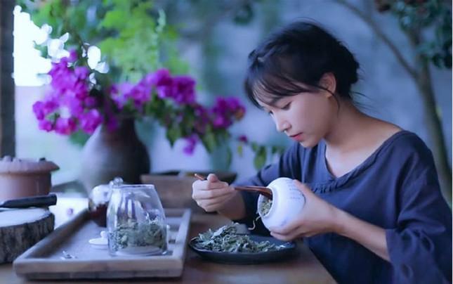 'Tiên nữ' Lý Tử Thất từ cô gái vất vả mưu sinh thành triệu phú ở tuổi 29 ảnh 2