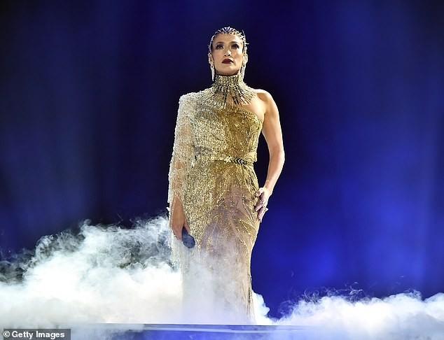 Jennifer Lopez 50 tuổi táo bạo khỏa thân trên bìa single mới ảnh 10