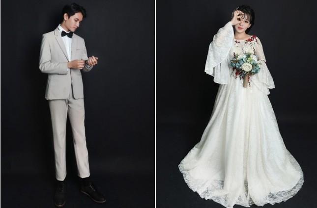 Yêu và cưới chồng kém 10 tuổi nhờ comment dạo trên mạng ảnh 1