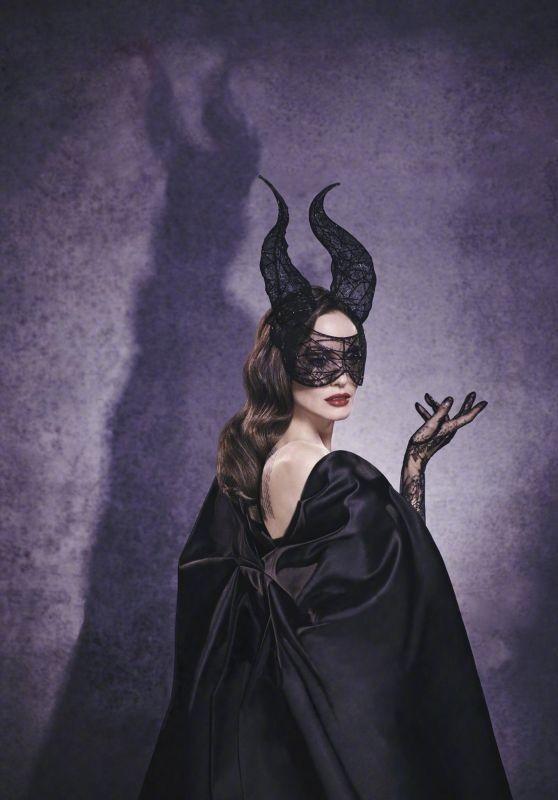 'Tiên hắc ám' Angelina Jolie đọ sắc nàng thơ 9x Elle Fanning ảnh 6
