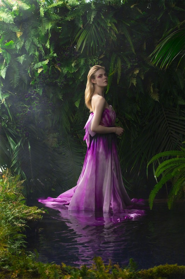 'Tiên hắc ám' Angelina Jolie đọ sắc nàng thơ 9x Elle Fanning ảnh 28