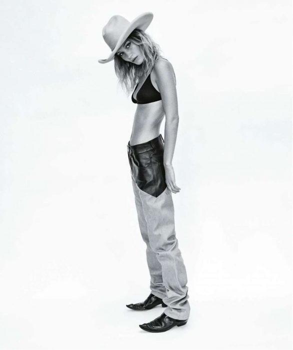 Bella Hadid 'thả rông' ngực trên Vogue ảnh 6