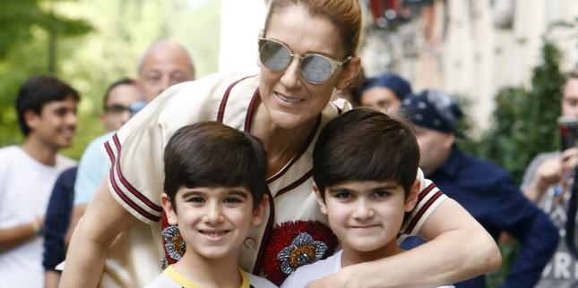 Lần hiếm hoi Celine Dion khoe ảnh con trai song sinh ảnh 3