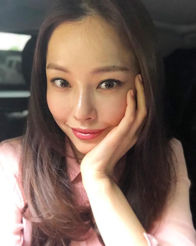 Hoa hậu Hàn Quốc Honey Lee U40 ngày càng đẹp rực rỡ ảnh 22