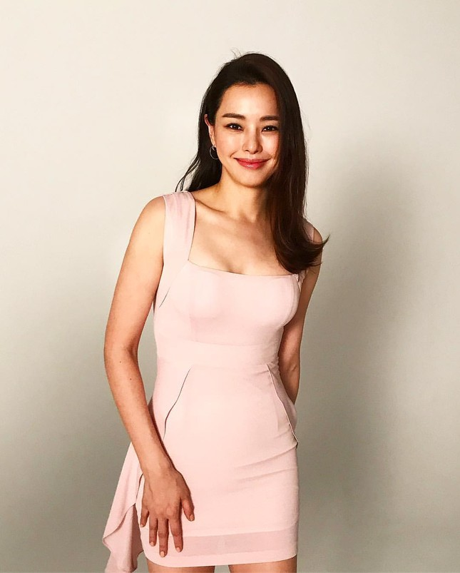 Hoa hậu Hàn Quốc Honey Lee U40 ngày càng đẹp rực rỡ ảnh 20