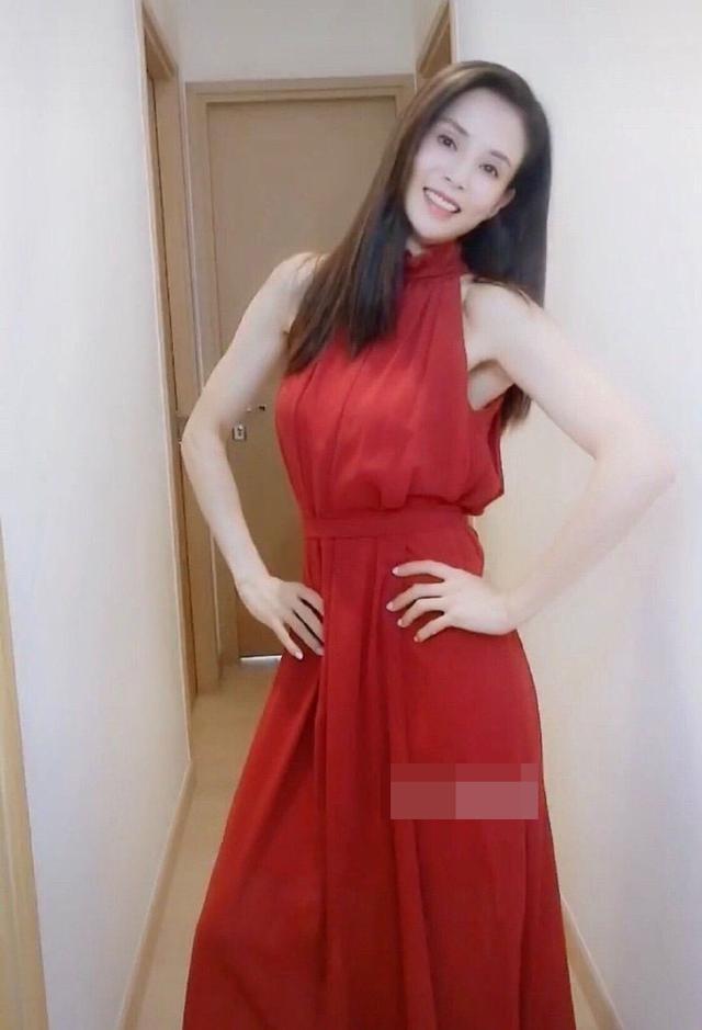 'Tiểu Long Nữ' Lý Nhược Đồng mặc váy cô dâu trẻ trung bất ngờ ảnh 9