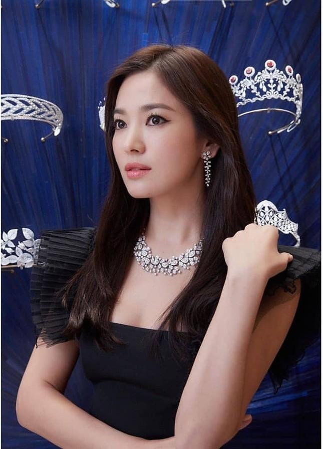 Song Hye Kyo quá đẹp với nhan sắc đỉnh cao trong ảnh đen trắng ảnh 7