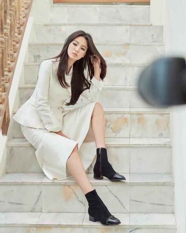 Song Hye Kyo quá đẹp với nhan sắc đỉnh cao trong ảnh đen trắng ảnh 12