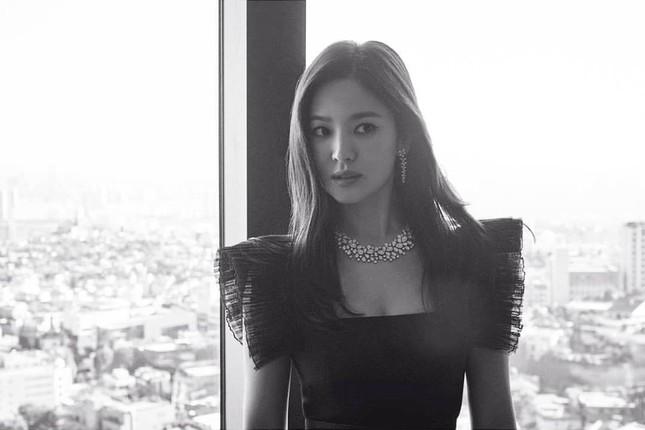 Song Hye Kyo quá đẹp với nhan sắc đỉnh cao trong ảnh đen trắng ảnh 3