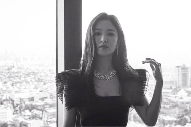Song Hye Kyo quá đẹp với nhan sắc đỉnh cao trong ảnh đen trắng ảnh 4