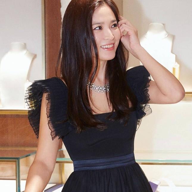 Song Hye Kyo quá đẹp với nhan sắc đỉnh cao trong ảnh đen trắng ảnh 9