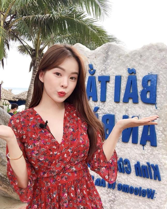 Người mẫu nội y xứ Hàn xinh tươi giữa biển trời Phú Quốc ảnh 8