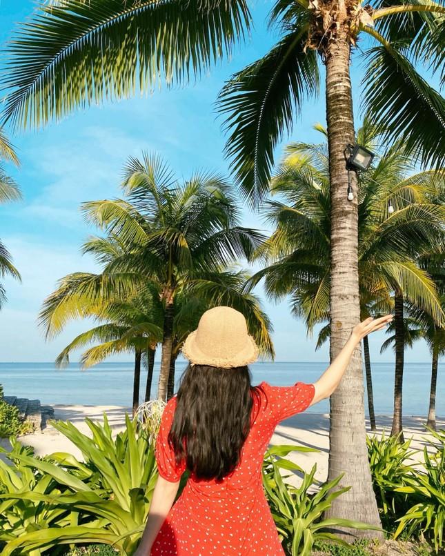 Người mẫu nội y xứ Hàn xinh tươi giữa biển trời Phú Quốc ảnh 4