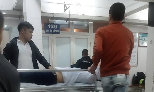 Chú rể Hà Nội ngã gãy tay vì bạn bè tung hứng ảnh 1