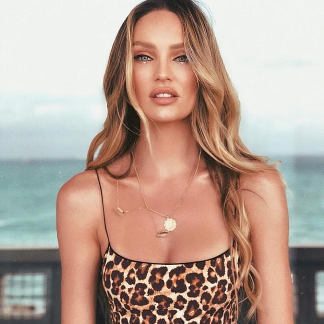 Ngắm biểu tượng gợi cảm Nam Phi diện bikini 'thiêu đốt' ánh nhìn ảnh 5