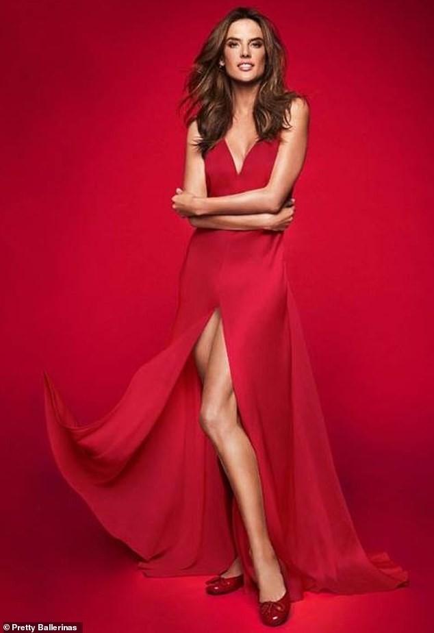 Ngất ngây đôi chân dài trứ danh của siêu mẫu Alessandra Ambrosio ảnh 13