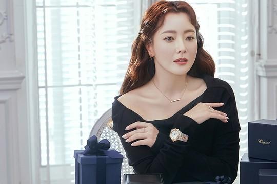Ngỡ ngàng nhan sắc tuổi 43 của nữ thần sắc đẹp xứ Hàn Kim Hee Sun ảnh 5