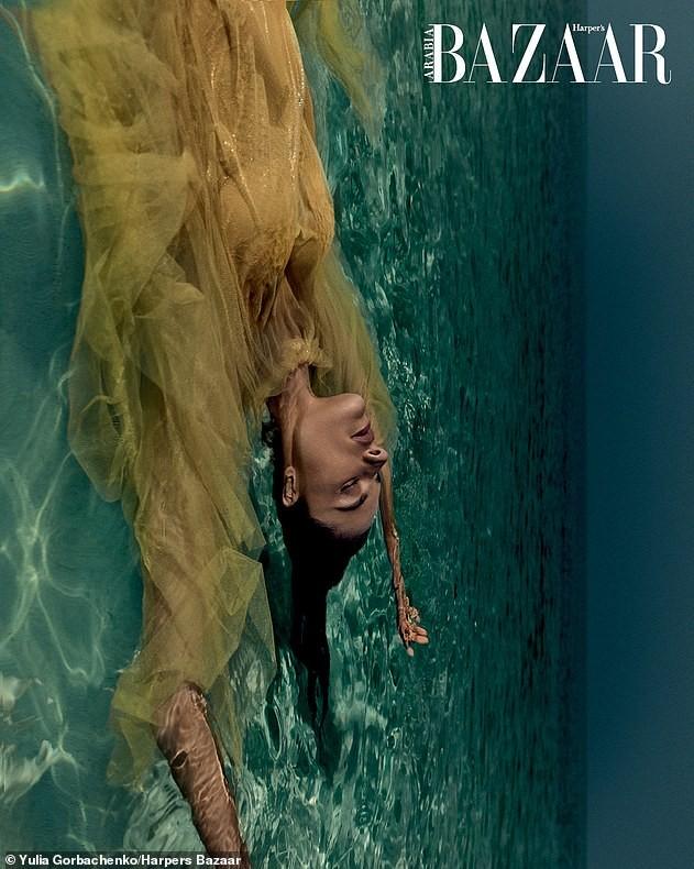 Alessandra Ambrosio hóa nàng tiên cá nóng bỏng 'gây mê' người nhìn ảnh 10