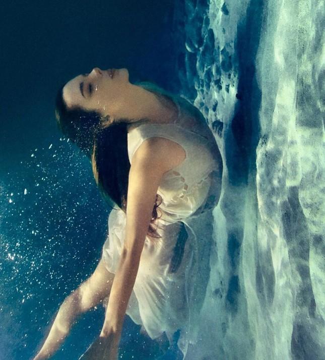 Alessandra Ambrosio hóa nàng tiên cá nóng bỏng 'gây mê' người nhìn ảnh 7