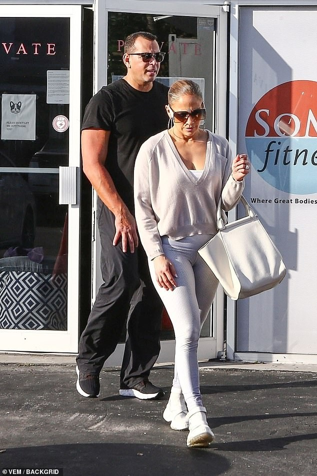 Jennifer Lopez 50 tuổi nóng bỏng ngỡ ngàng ảnh 11