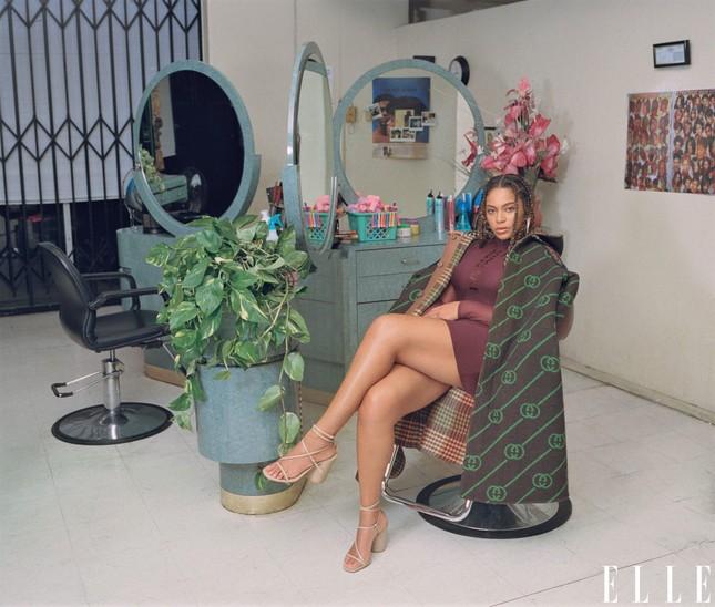 Beyonce khoe dáng tròn đầy nóng bỏng trên Elle ảnh 4