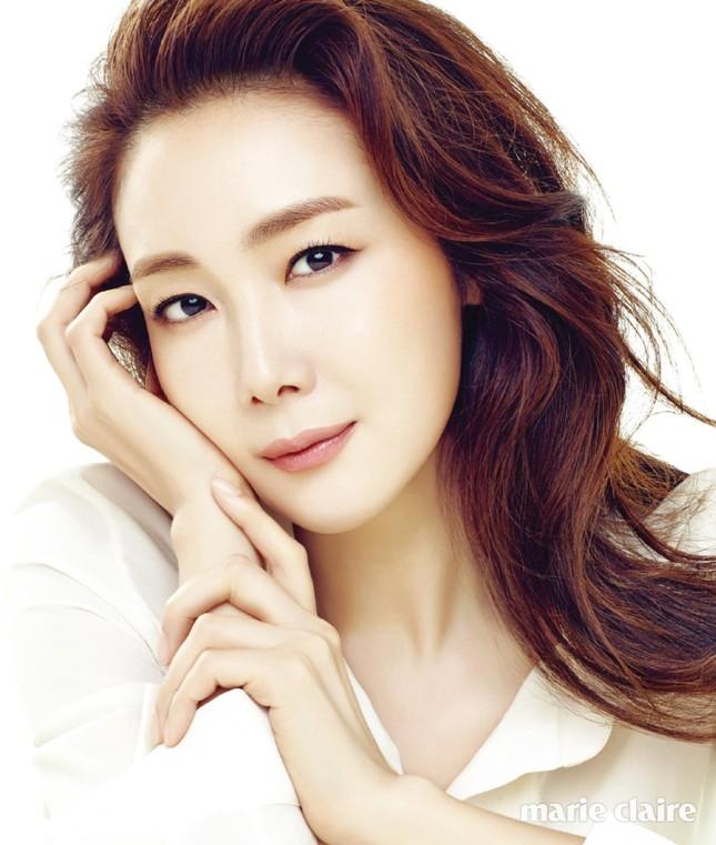 Người đẹp 'Bản tình ca mùa đông' Choi Ji Woo có tin vui ở tuổi 44 ảnh 4