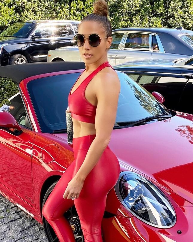 Jennifer Lopez nóng bỏng đi tập gym vào Giáng sinh ảnh 9