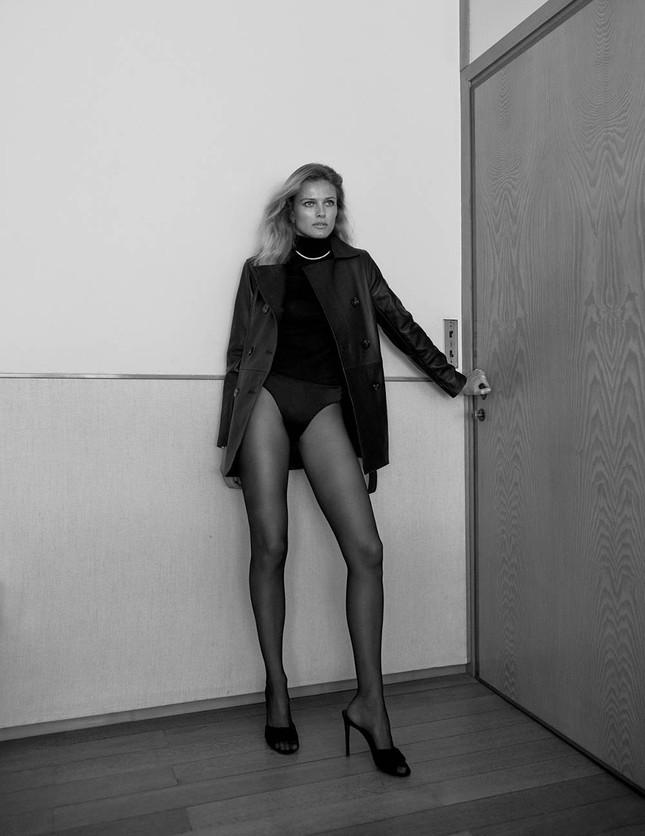 Mê đắm đôi chân dài và đường cong tuyệt mỹ của Edita Vilkeviciute ảnh 4