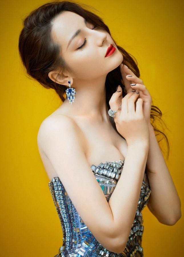 Địch Lệ Nhiệt Ba đẹp xuất sắc với thần thái đỉnh cao tựa tiên nữ ảnh 11