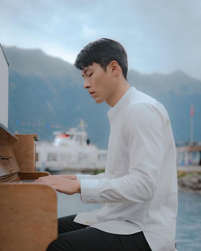 Phía Hyun Bin nói gì về tin đồn 'săn gái' và hẹn hò bạn diễn Son Ye Jin? ảnh 3