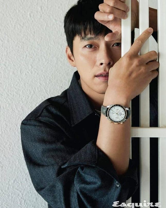 Phía Hyun Bin nói gì về tin đồn 'săn gái' và hẹn hò bạn diễn Son Ye Jin? ảnh 1
