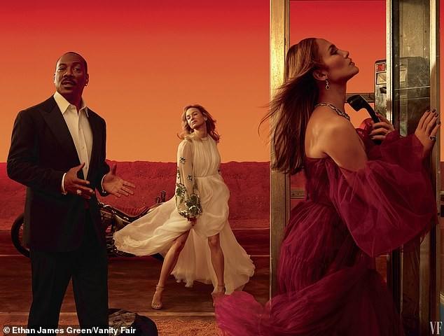 Jennifer Lopez 50 tuổi trẻ đẹp đầy mê hoặc với đường cong 'nảy lửa' ảnh 7
