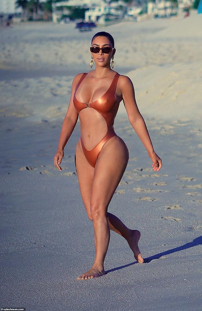 Kim Kardashian nóng bỏng đến 'nghẹt thở' trên biển Mexico ảnh 1