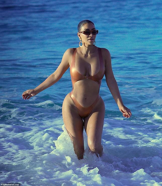 Kim Kardashian nóng bỏng đến 'nghẹt thở' trên biển Mexico ảnh 6