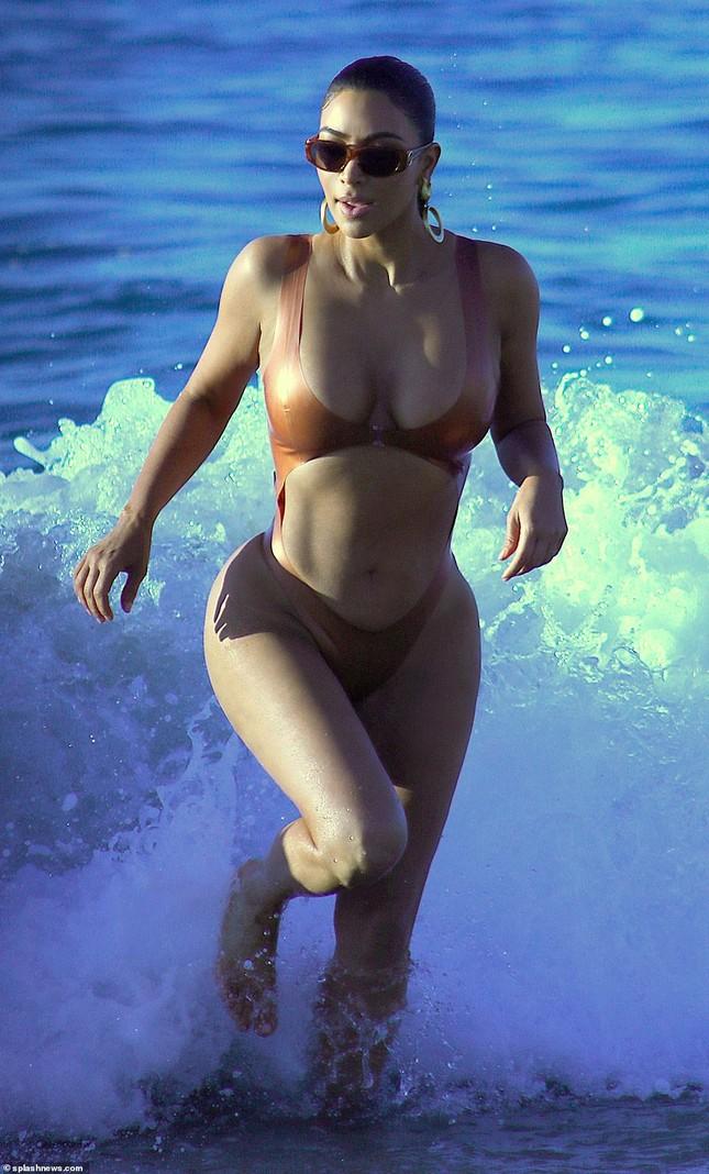 Kim Kardashian nóng bỏng đến 'nghẹt thở' trên biển Mexico ảnh 4
