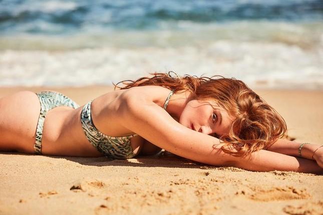 Ngắm dàn mỹ nhân Victoria's Secret diện áo tắm căng đầy sức sống ảnh 2