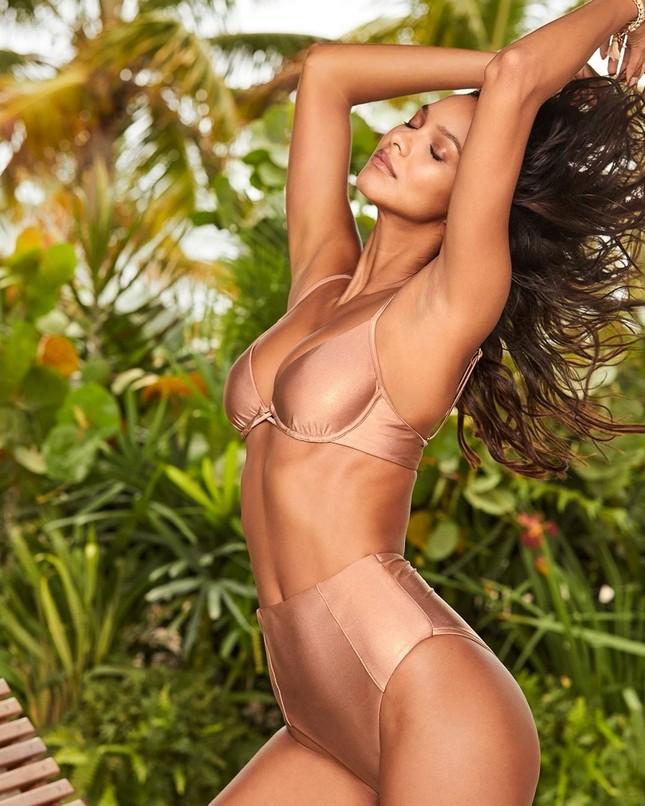 Ngắm dàn mỹ nhân Victoria's Secret diện áo tắm căng đầy sức sống ảnh 4