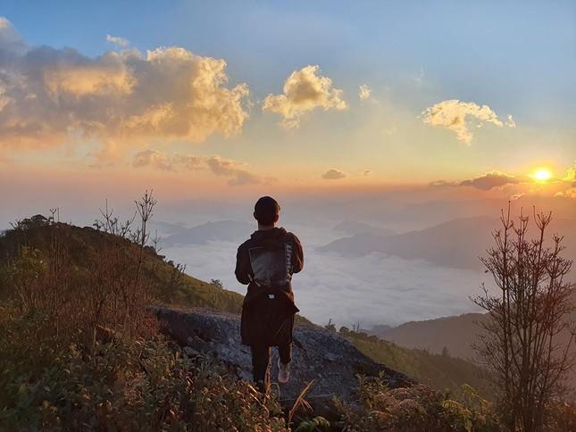 Trường 'Híp' leo núi, Quang Hải và dàn cầu thủ rộn ràng đón Tết ảnh 1