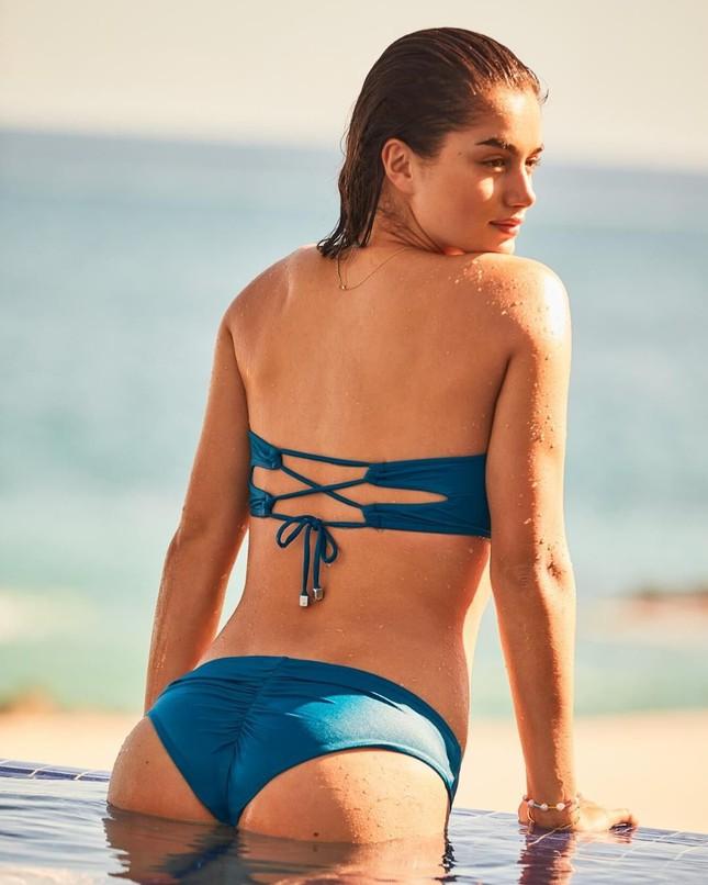 Dàn mỹ nhân chân dài Victoria's Secret dáng tuyệt đẹp trên biển ảnh 9