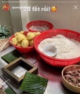 Quế Ngọc Hải, Văn Toàn và cầu thủ Việt gói bánh chưng bên gia đình ảnh 7